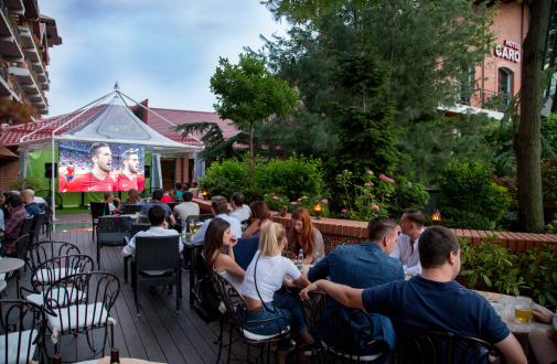 10% reducere și meciuri live la Terasa Wine Bar 1000 de Chipuri