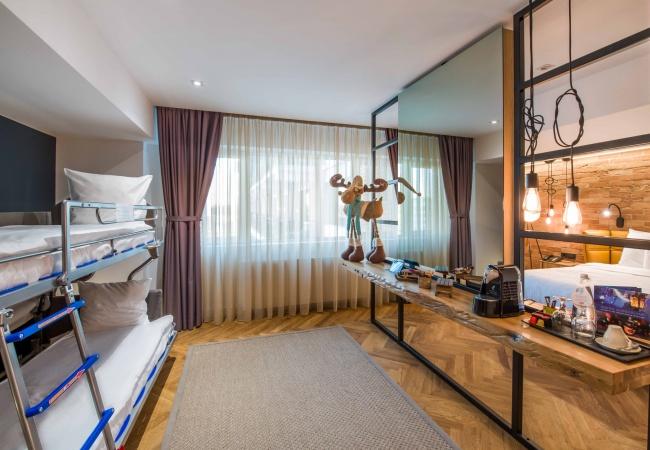 De sărbători, la Hotel Caro: cazare de 4 stele pentru familii cu copii