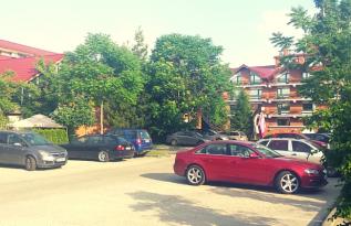 Hoteluri in Bucuresti cu 400 Locuri de Parcare