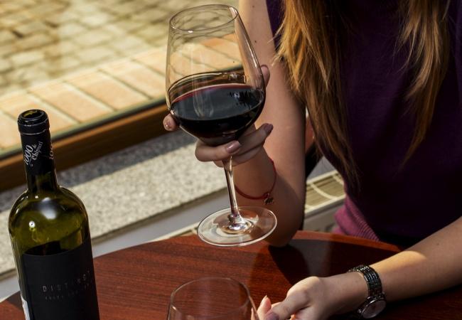 Pachete de degustare cu vinuri românești premium